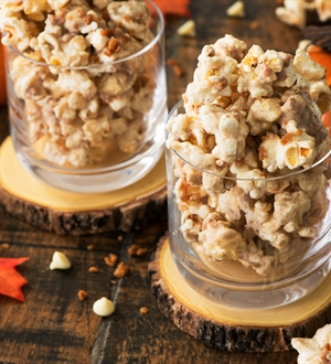 White Chocolate & Pumpkin Pie Spice Popcorn Bites
