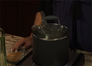 How to Make Stovetop Popcorn